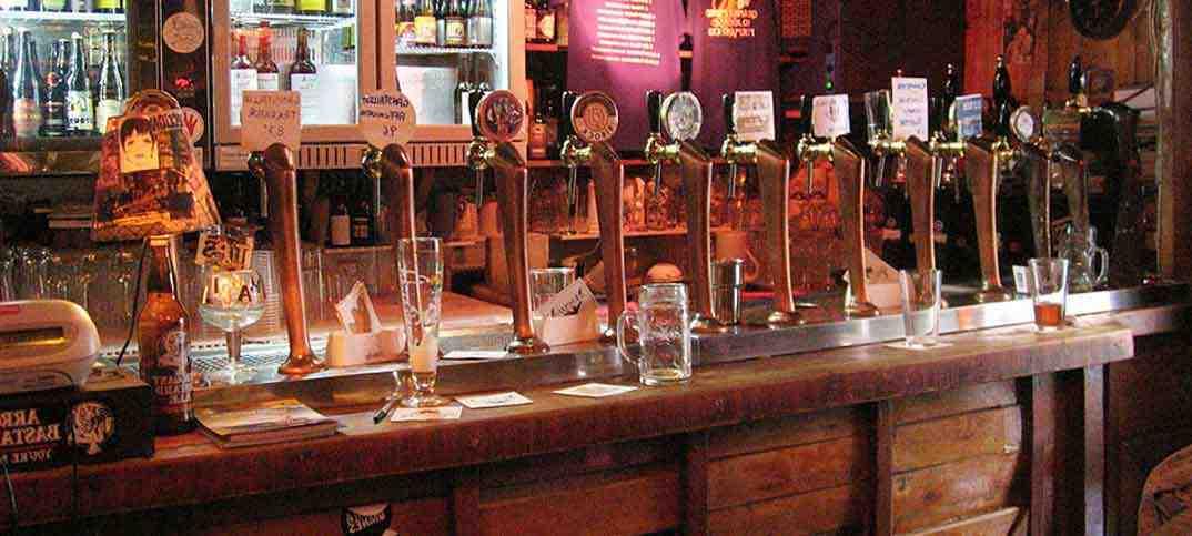 Sette idee per aprire un pub di successo for Idee per arredare un bar